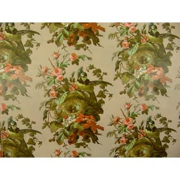 Geschenkpapier; 70 x 100 cm; Vogelnest in Rosenstrauch; naturfarben-altrosat-pastellgrün; Offsetpapier einseitig bedruckt; Bogen, einmal gelegt