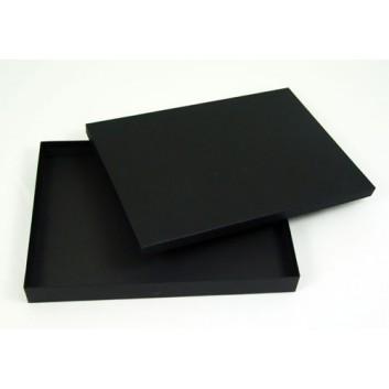 Geschenkkarton-Kassette, stabil; 325 x 230 x 35/15 mm für DIN A4+; uni; außen und innen: schwarz-matt; 2-teilig (Boden+Deckel)