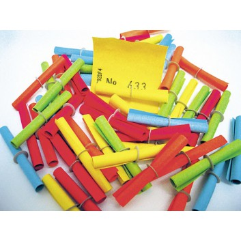 Lose: Treffer bis 1000; je 50 Treffernummern; 5 Farben sortiert; gerollt mit Pappring; 40 x 46 mm