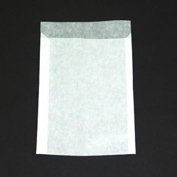 Pergamin-Flachbeutel; 115 x 160 mm; milchig, durchscheinend; Klappe ca. 20 mm; Pergamyn, säurefrei ca. 50g/m²; Breite x Höhe; Zweinahtflachbeutel
