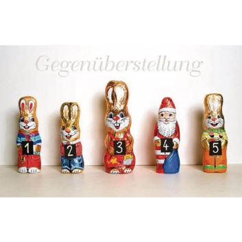 Sü Weihnachtskarte/Osterkarte, Humor; 120 x 190 mm; Fotomotiv: Nikolaus contra Osterhase; rot-gold-blau-grün; CLW_483; Querformat